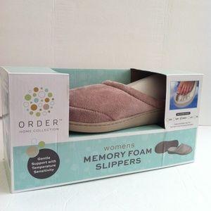 Memory Foam Slippers Brown New In Box Medium